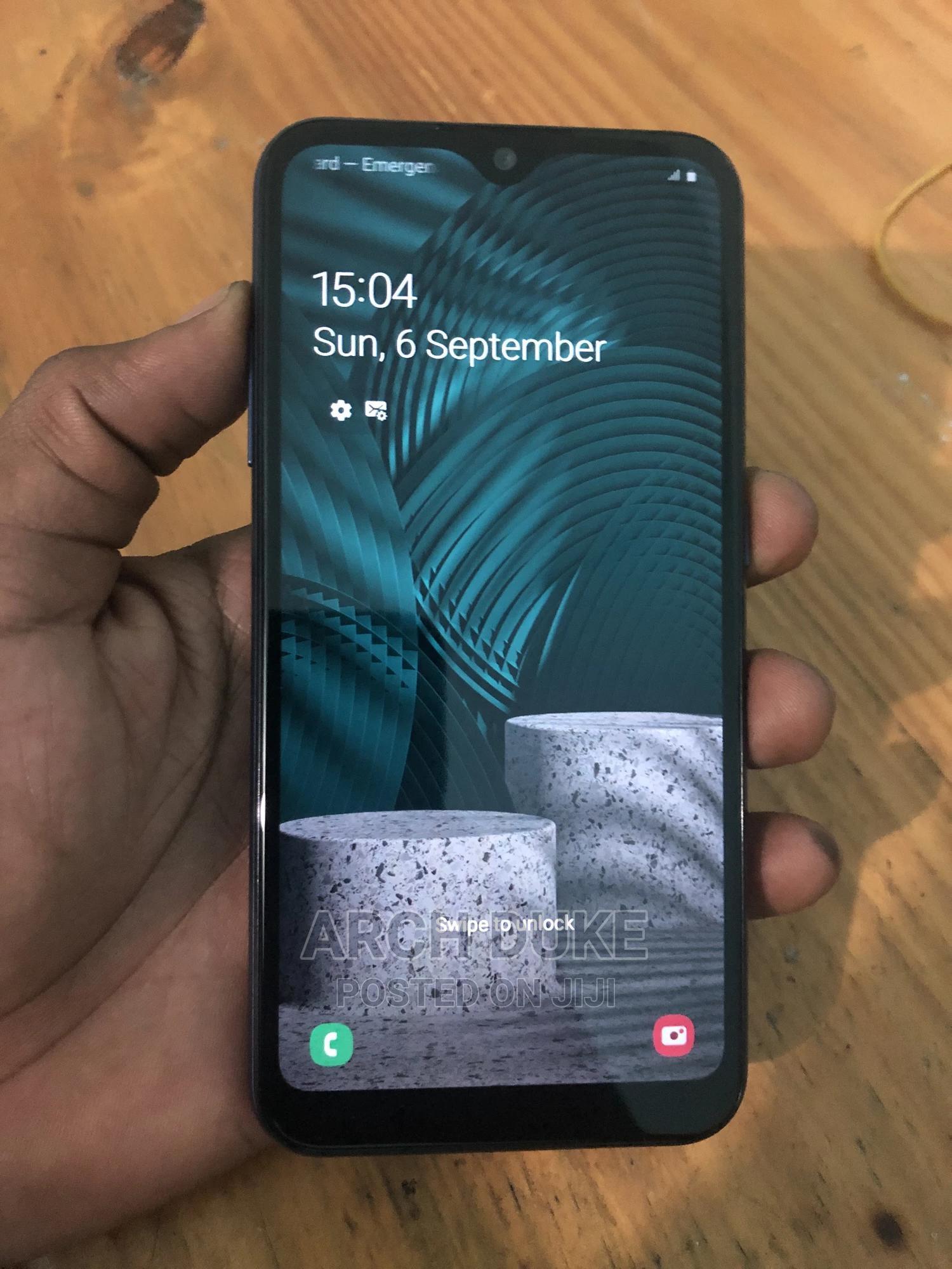 Archive: Samsung Galaxy A01 16 GB Blue