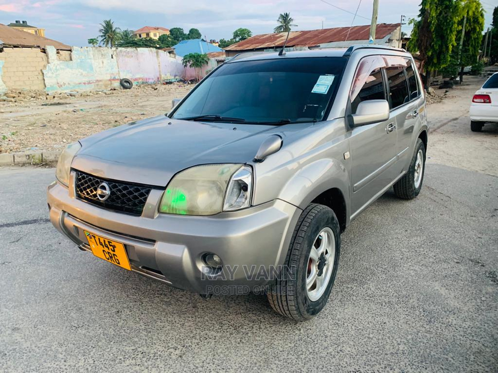 Nissan X-Trail 2004 2.5 SE 4x4 Silver | Cars for sale in Kinondoni, Dar es Salaam, Tanzania