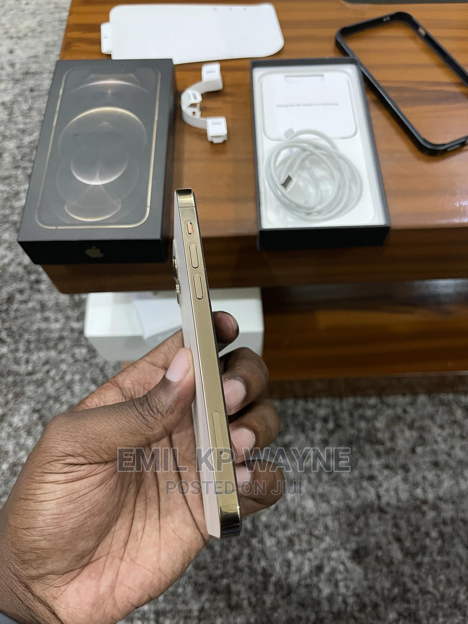 Archive: Apple iPhone 12 Pro 256GB Gold