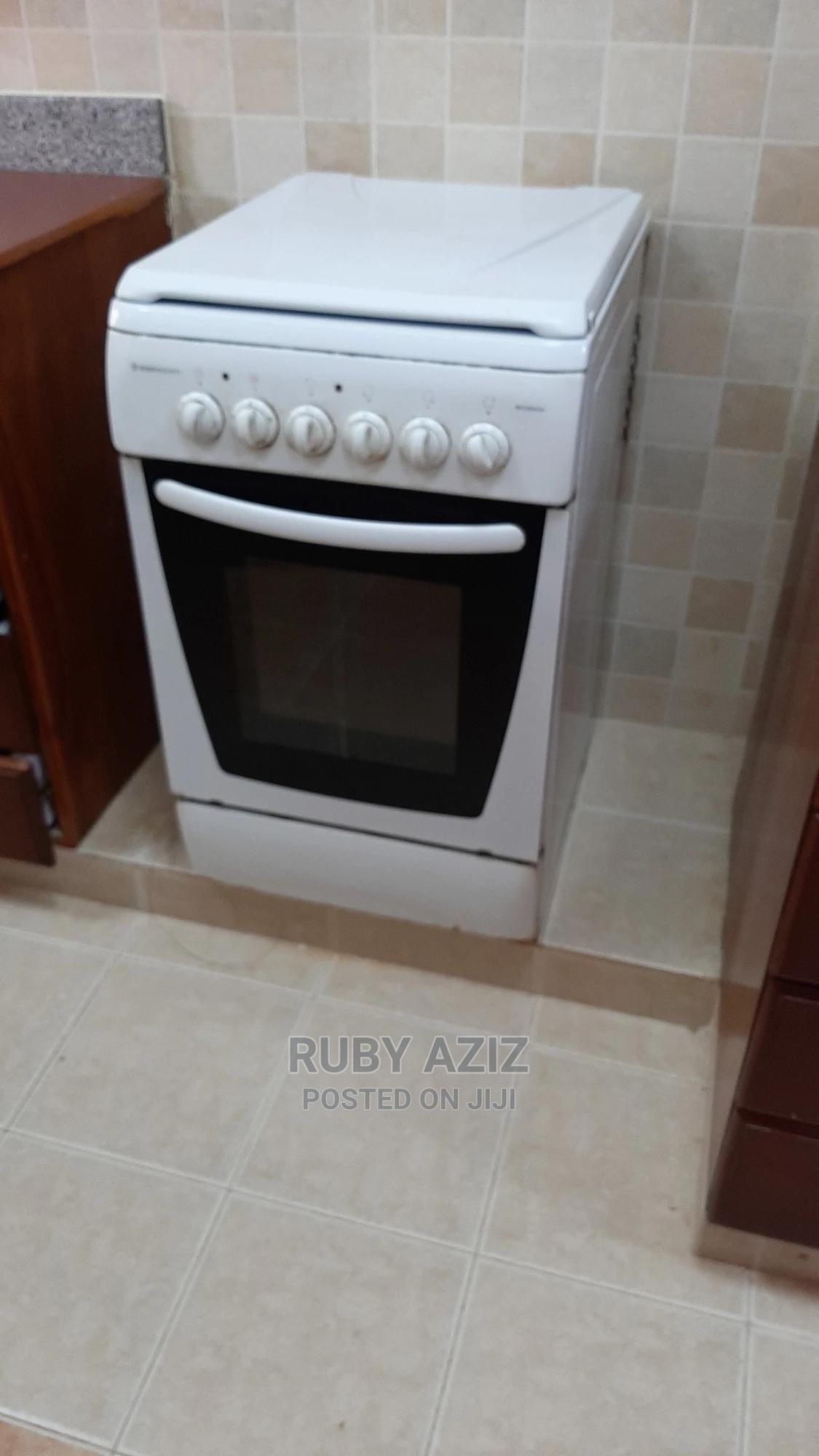Freestanding Electric Oven/Cooker