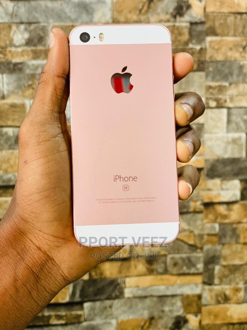 Archive: Apple iPhone SE 32 GB Pink