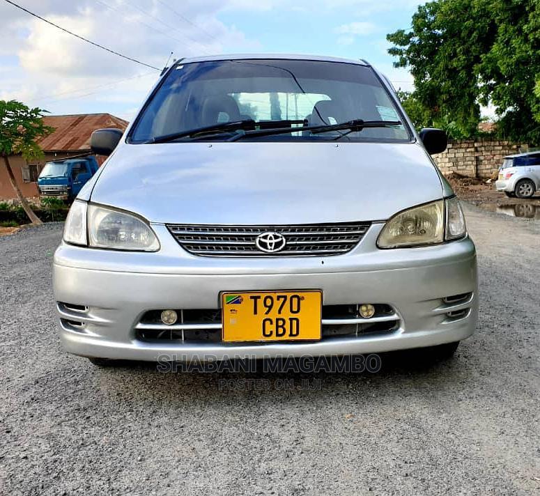 Toyota Corolla Spacio 2000 Silver