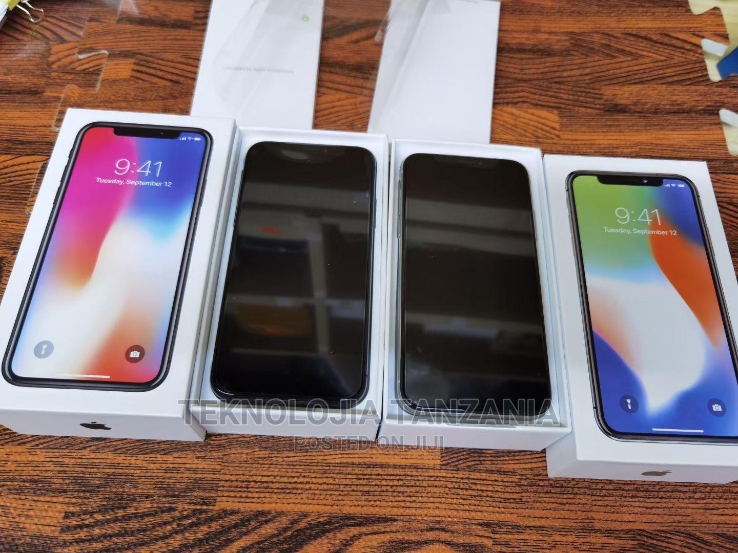 Archive: New Apple iPhone X 256 GB Black