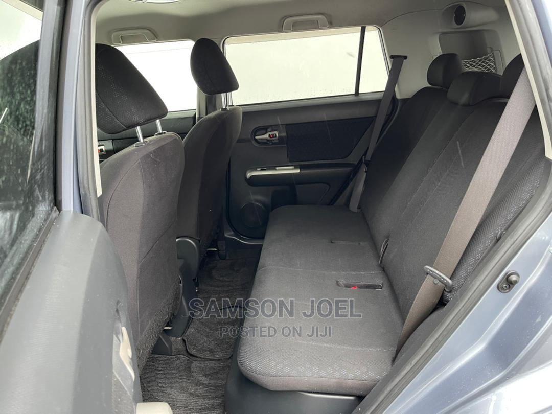 Archive: Toyota Corolla Rumion 2009 Gray