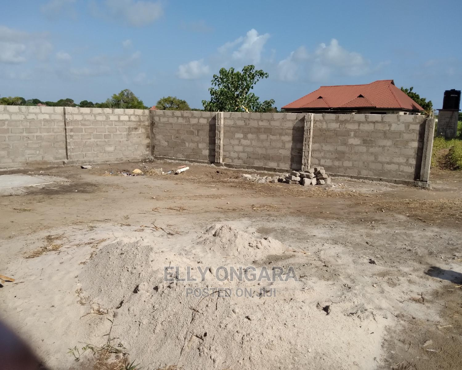 5bdrm House in Kigamboni, Temeke for Sale