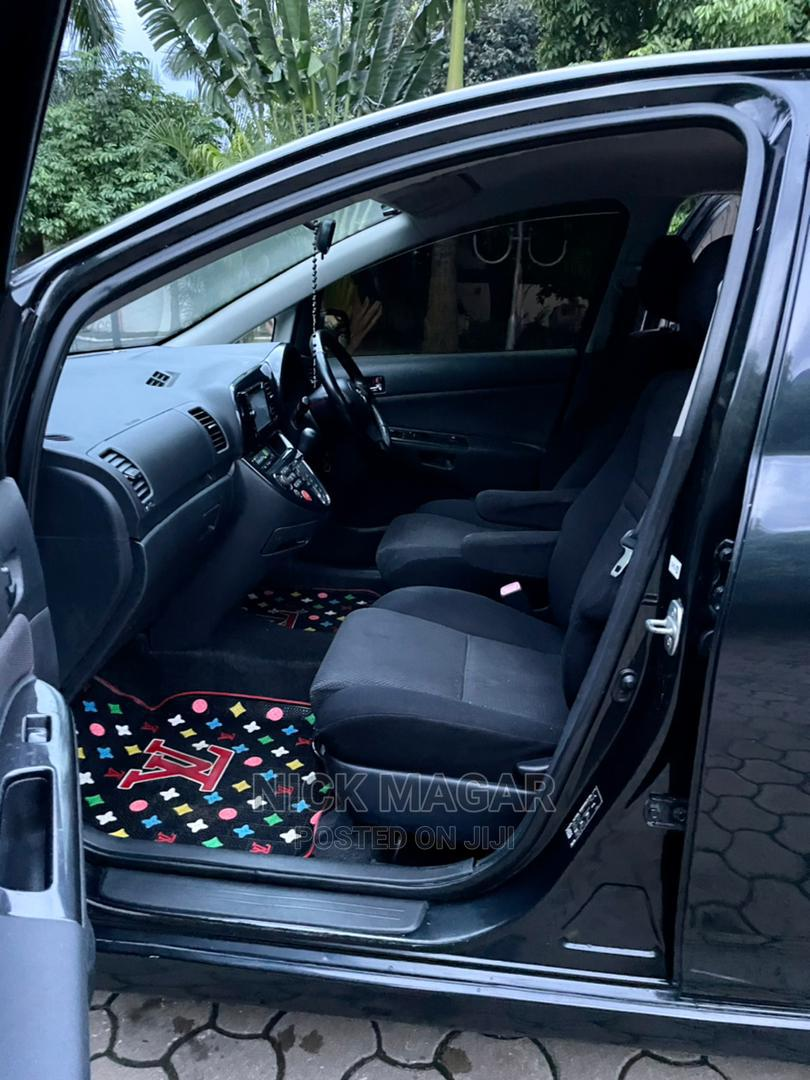 Archive: Toyota Wish 2005 Black