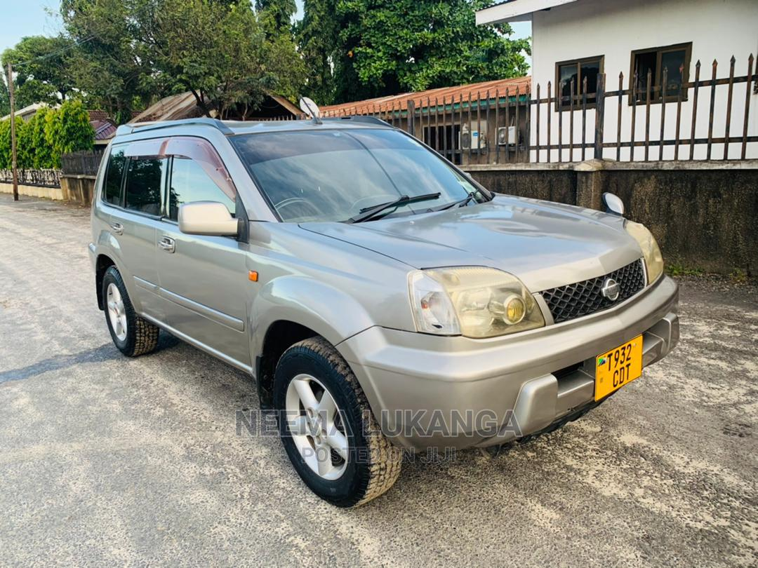 Archive: Nissan X-Trail 2002 2.0 Silver