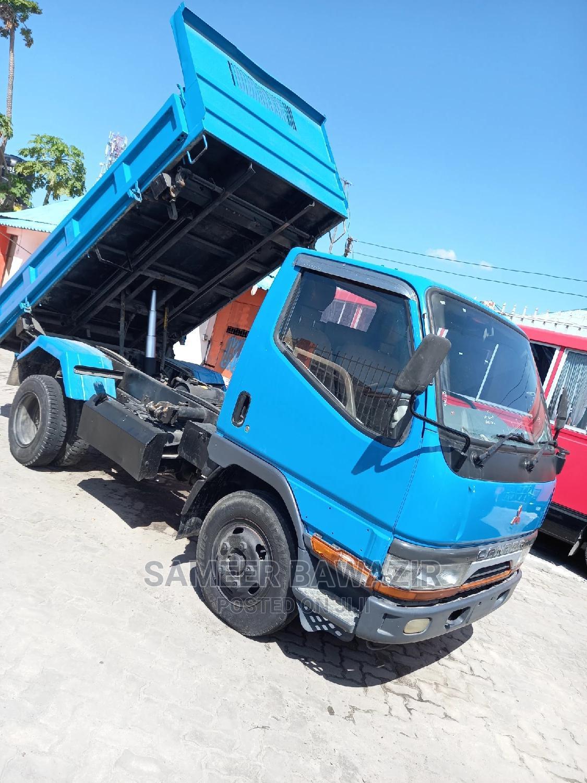 Archive: Mitsubishi Canter 1998 Blue