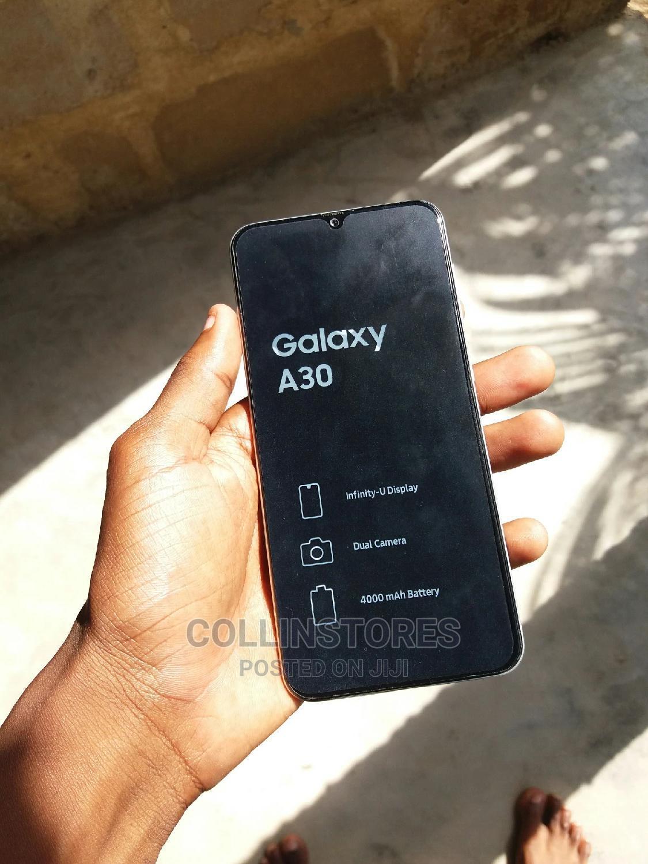 Archive: New Samsung Galaxy A30 32 GB Black