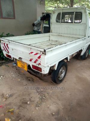 Suzuki Light 2002 White | Trucks & Trailers for sale in Dar es Salaam, Kinondoni