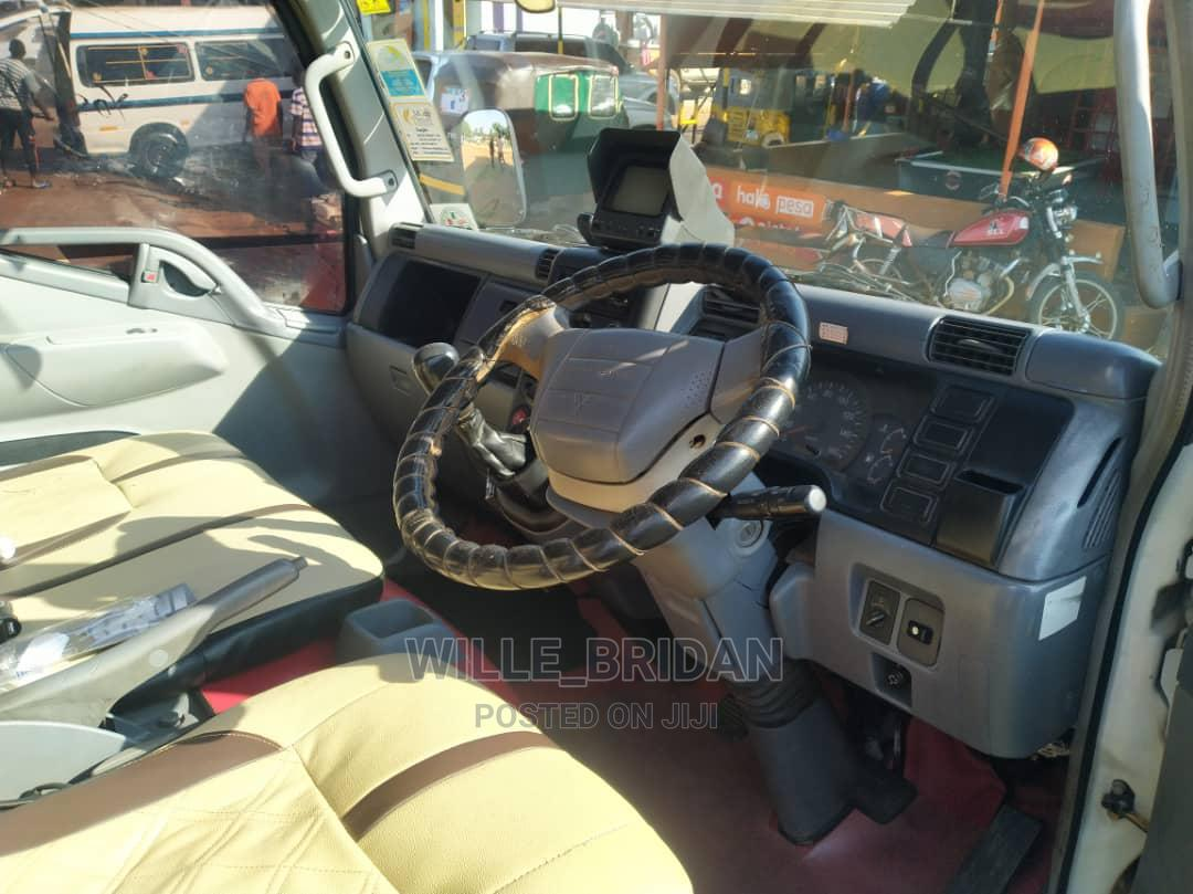 Archive: Mitsubishi Canter Yenye Friji