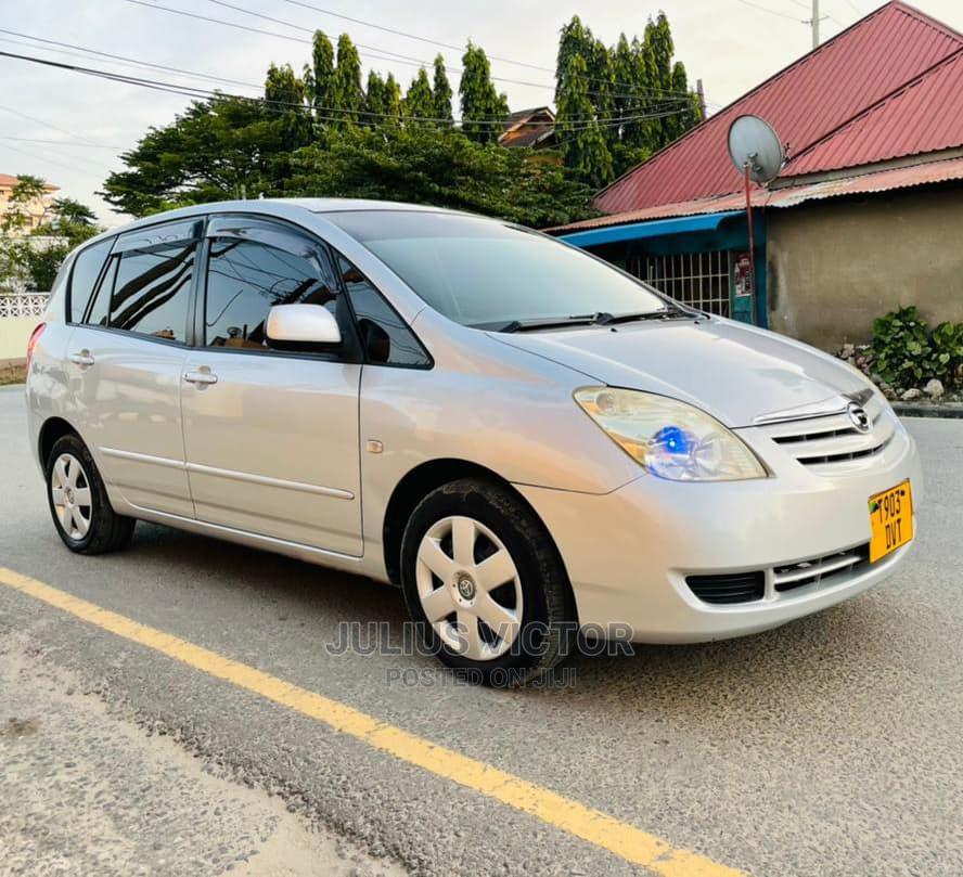 Archive: Toyota Corolla Spacio 2004 Silver