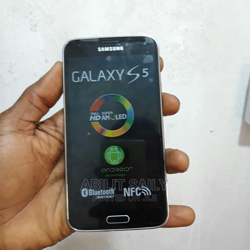 New Samsung Galaxy S5 32 GB Black