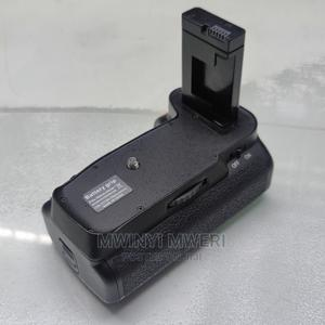 MB-D3100 Battery Grip for Nikon D3100 D3200 D5300   Accessories & Supplies for Electronics for sale in Dar es Salaam, Kinondoni