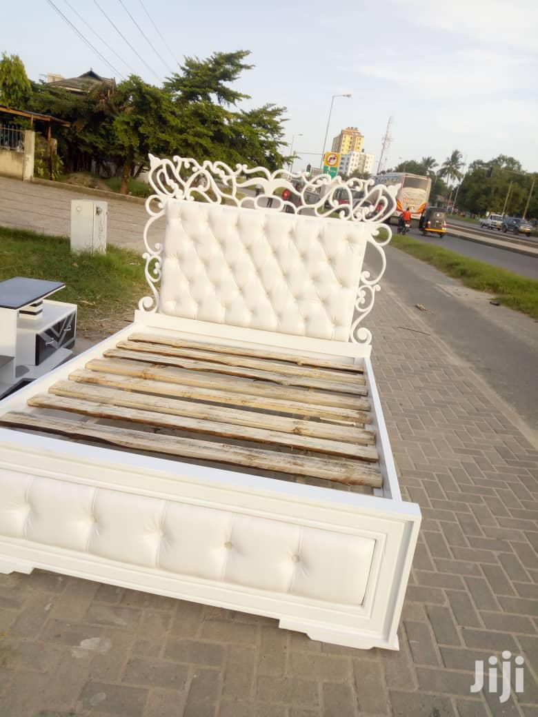 Classic 6×6 King Size Bed