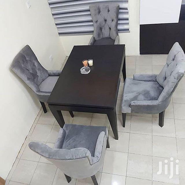 Classic Dining Table Yenye Viti Vinne