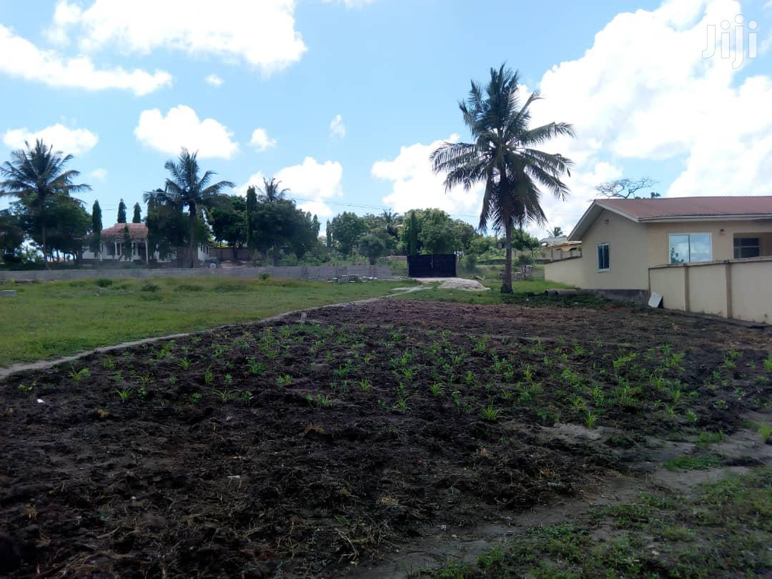 Archive: Commercial & Residential Plot For Sale Dar.
