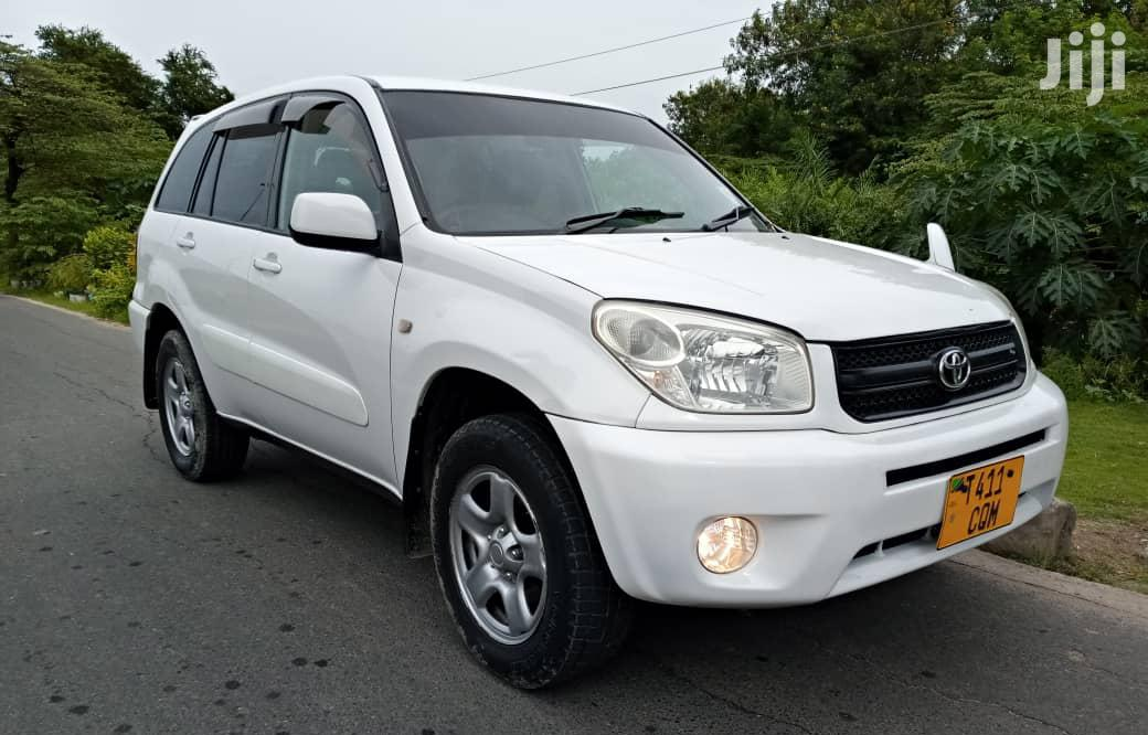 Toyota RAV4 2003 Automatic White | Cars for sale in Kinondoni, Dar es Salaam, Tanzania