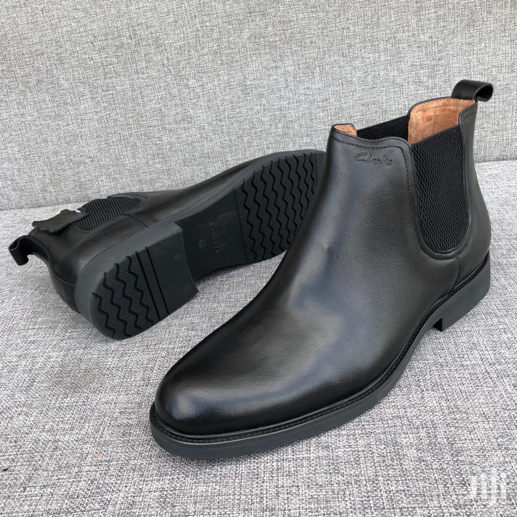 Classic and Fashion Men's Official Shoes