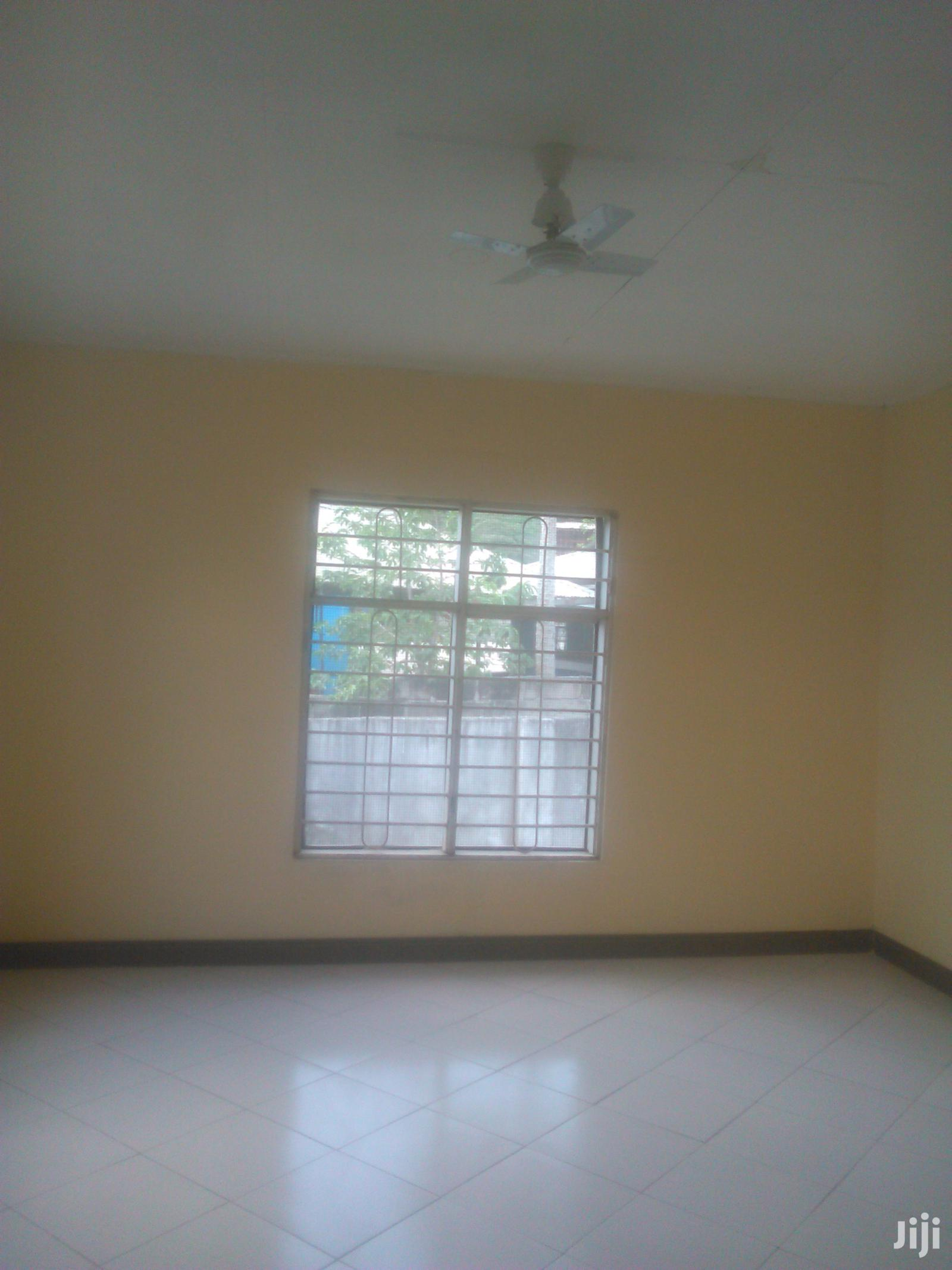 Vyumba3,Master,Sebule,Dinning,Jiko,Store,Public Na Parking   Houses & Apartments For Rent for sale in Kinondoni, Dar es Salaam, Tanzania