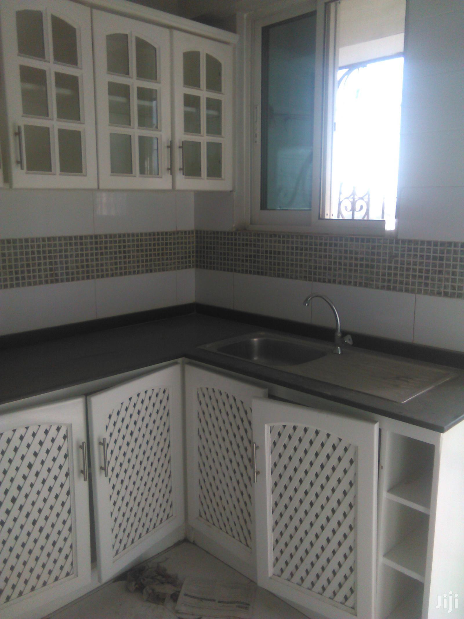 Ina Master Na Vyumba2, Sebule,Jiko,Public Toilet Na Parking | Houses & Apartments For Rent for sale in Kinondoni, Dar es Salaam, Tanzania