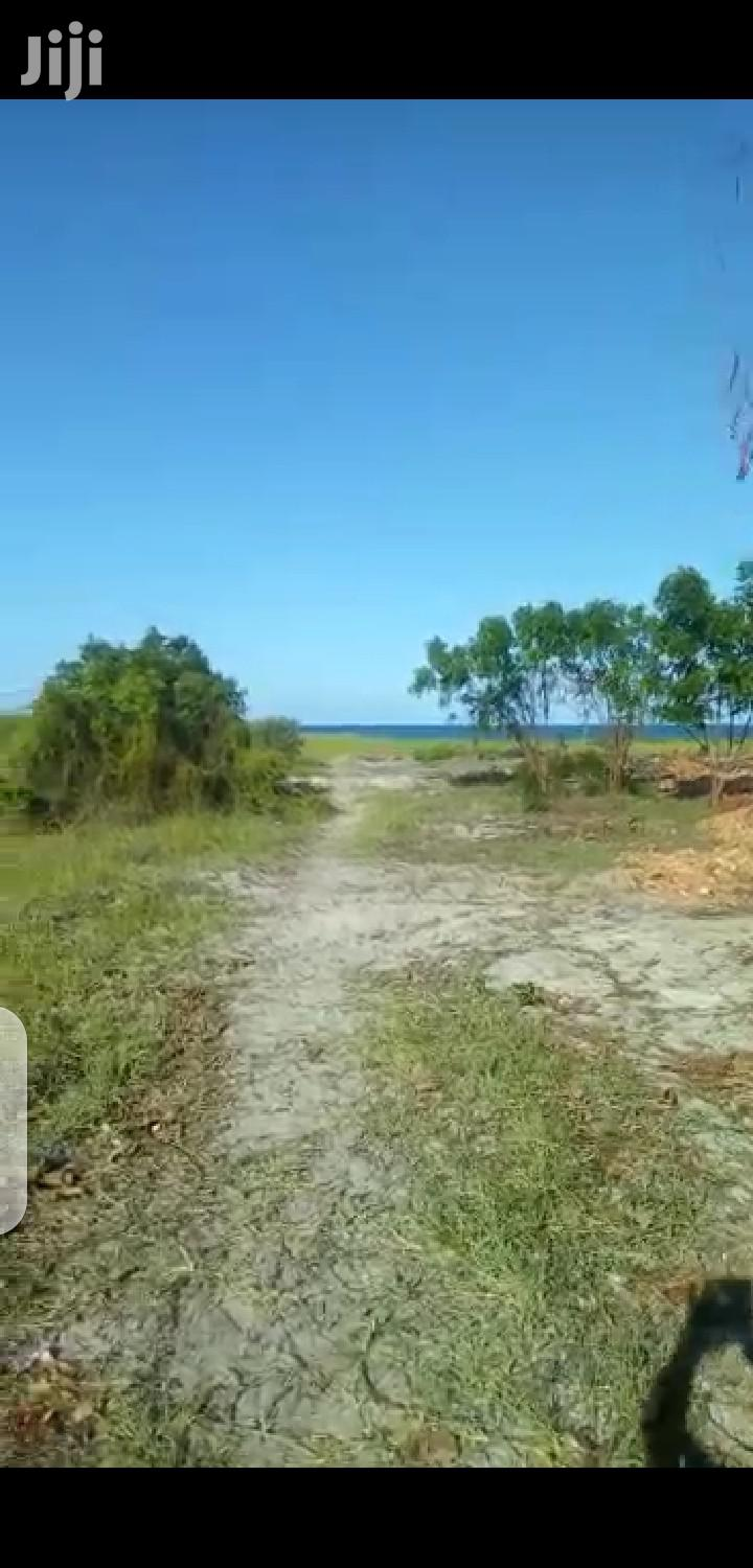 Archive: Super & Quality Beach Plot For Sale