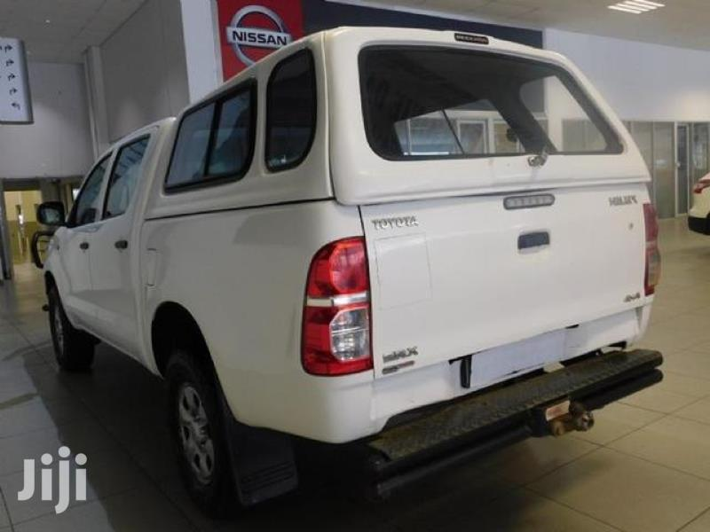 Archive: Toyota Hilux 2013 WORKMATE 4x4 White