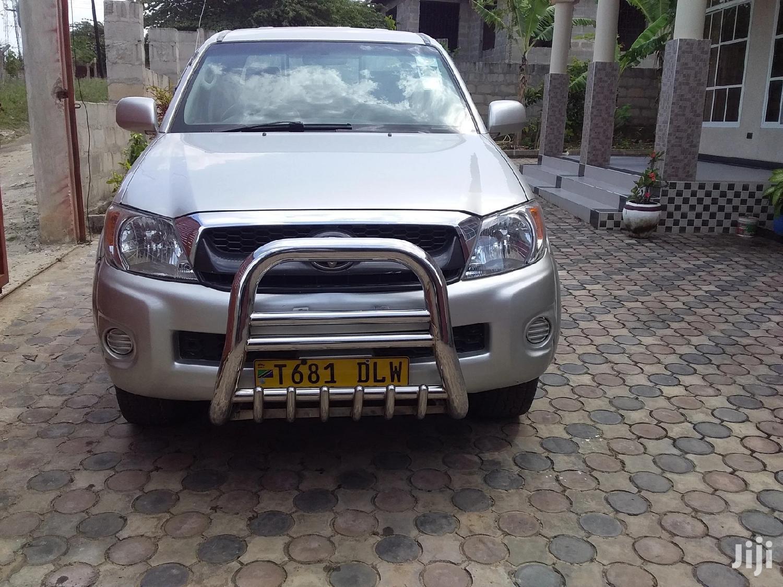 Toyota Hilux 2009 2.7 VVT-i 4X4 SRX Silver