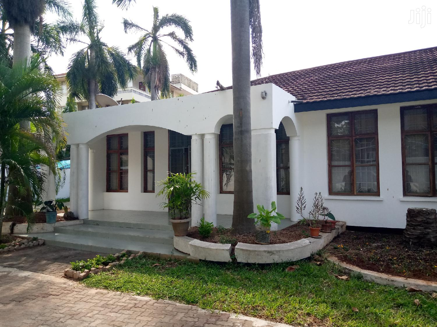 Bunglow House For Sale In Msasani Beach.