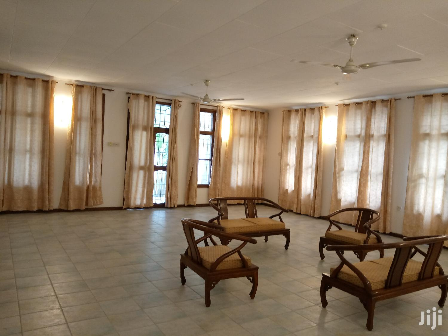 Bunglow House For Sale In Msasani Beach. | Houses & Apartments For Rent for sale in Kinondoni, Dar es Salaam, Tanzania