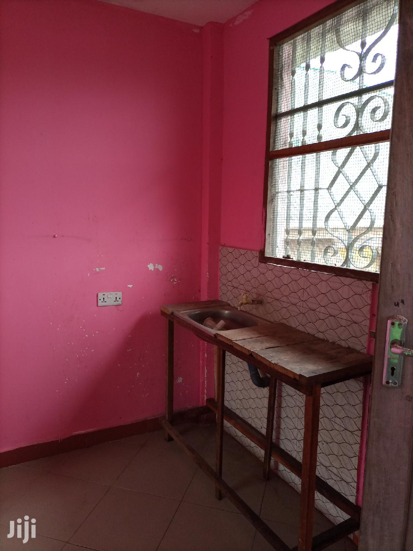 Ina Chumba Master, Sebule,Jiko Na Public Toilet | Houses & Apartments For Rent for sale in Kinondoni, Dar es Salaam, Tanzania