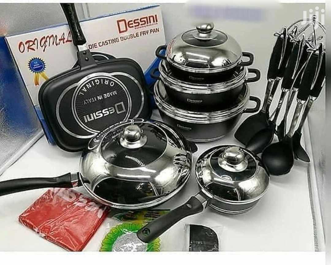 Heavy and Strong 23pcs Dessin Die Cast Set