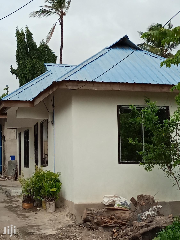 Ina Vyumba2,Master,Sebule,Jiko Na Public Toilet