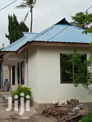 Ina Vyumba2,Master,Sebule,Jiko Na Public Toilet | Houses & Apartments For Rent for sale in Dar es Salaam, Kinondoni