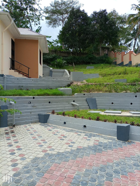 Archive: Ina Vyumba2,Master,Sebule,Jiko,Public Toilet Na Parking