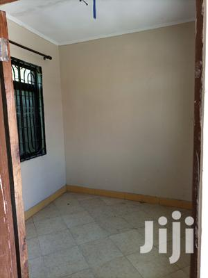 Ina Vyumba2,Master,Public Nnje,Sebule Na Car Parking | Houses & Apartments For Rent for sale in Dar es Salaam, Kinondoni