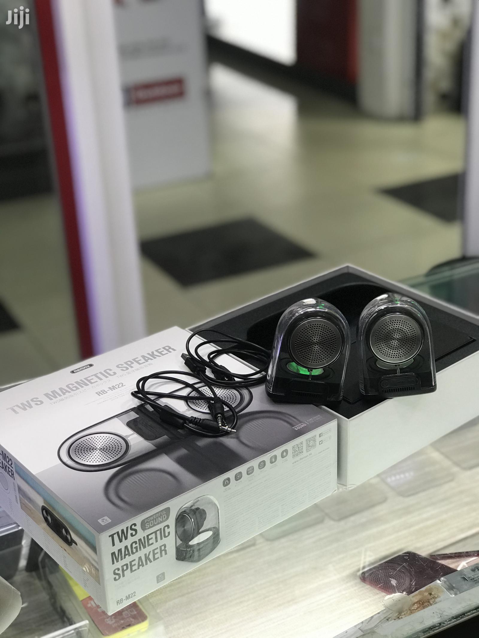 Remax Rb-m22 TWS Magnetic Wireless Bluetooth Speaker