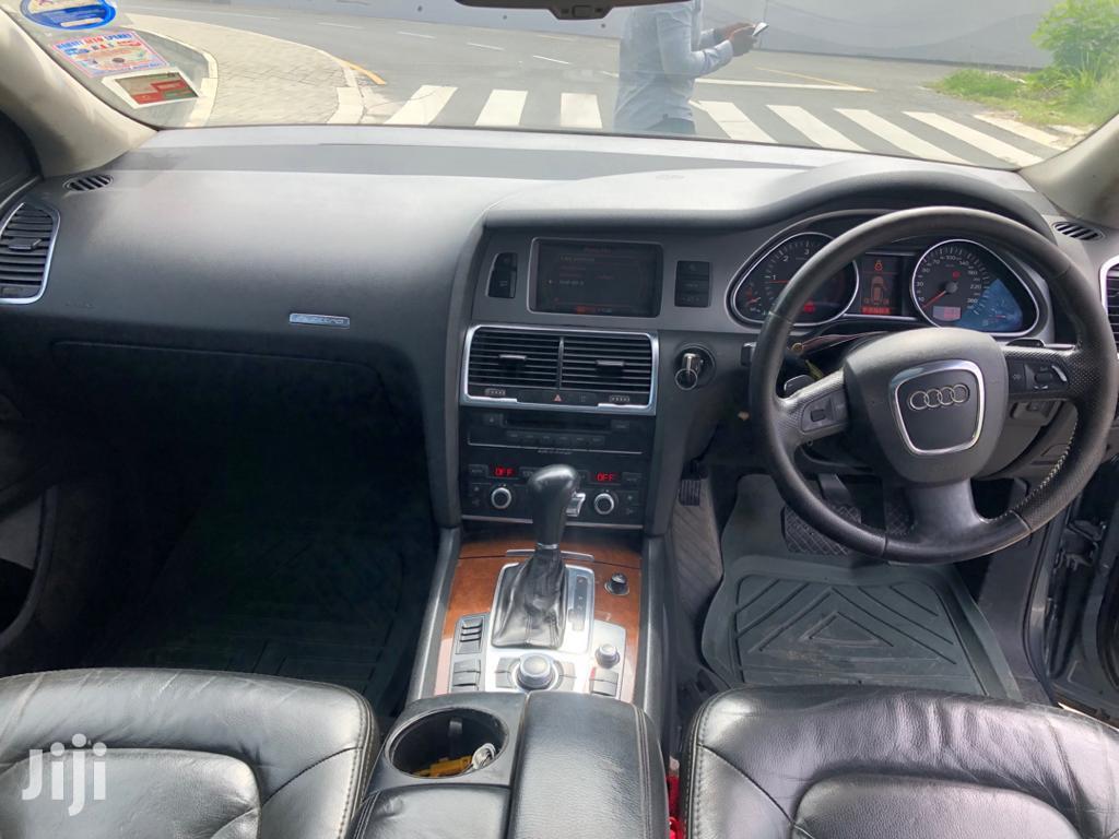 Archive: Audi Q7 2008 Gray