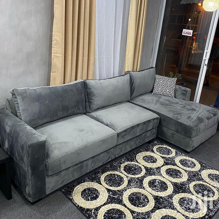 L-shape Design (Four Seats)