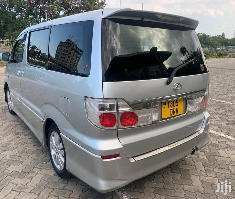 Toyota Alphard 2004 Silver | Cars for sale in Kinondoni, Dar es Salaam, Tanzania