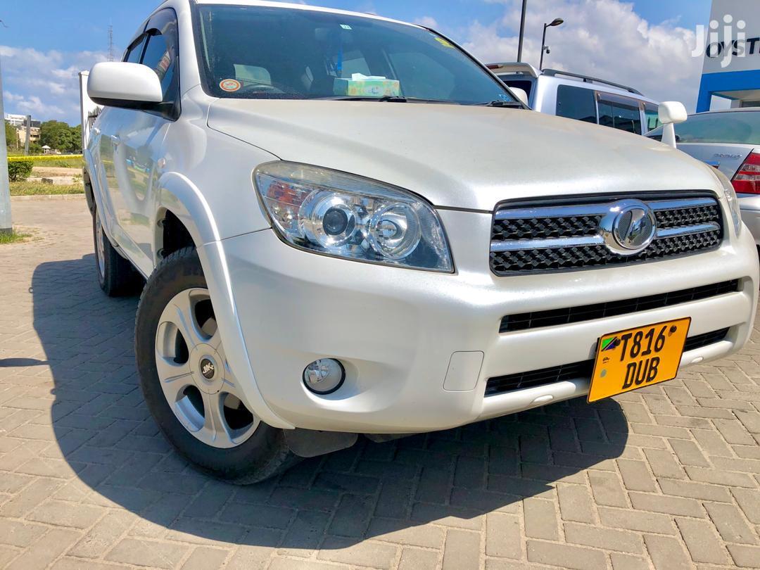 Archive: Toyota RAV4 2006 White
