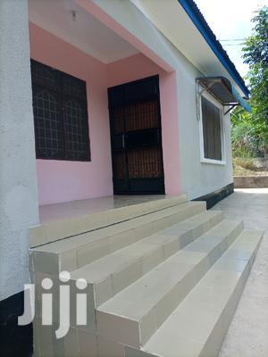 3 Bedroom, Master Na Public Toilet,Sebule, Dinning Na Jiko   Houses & Apartments For Rent for sale in Dar es Salaam, Kinondoni