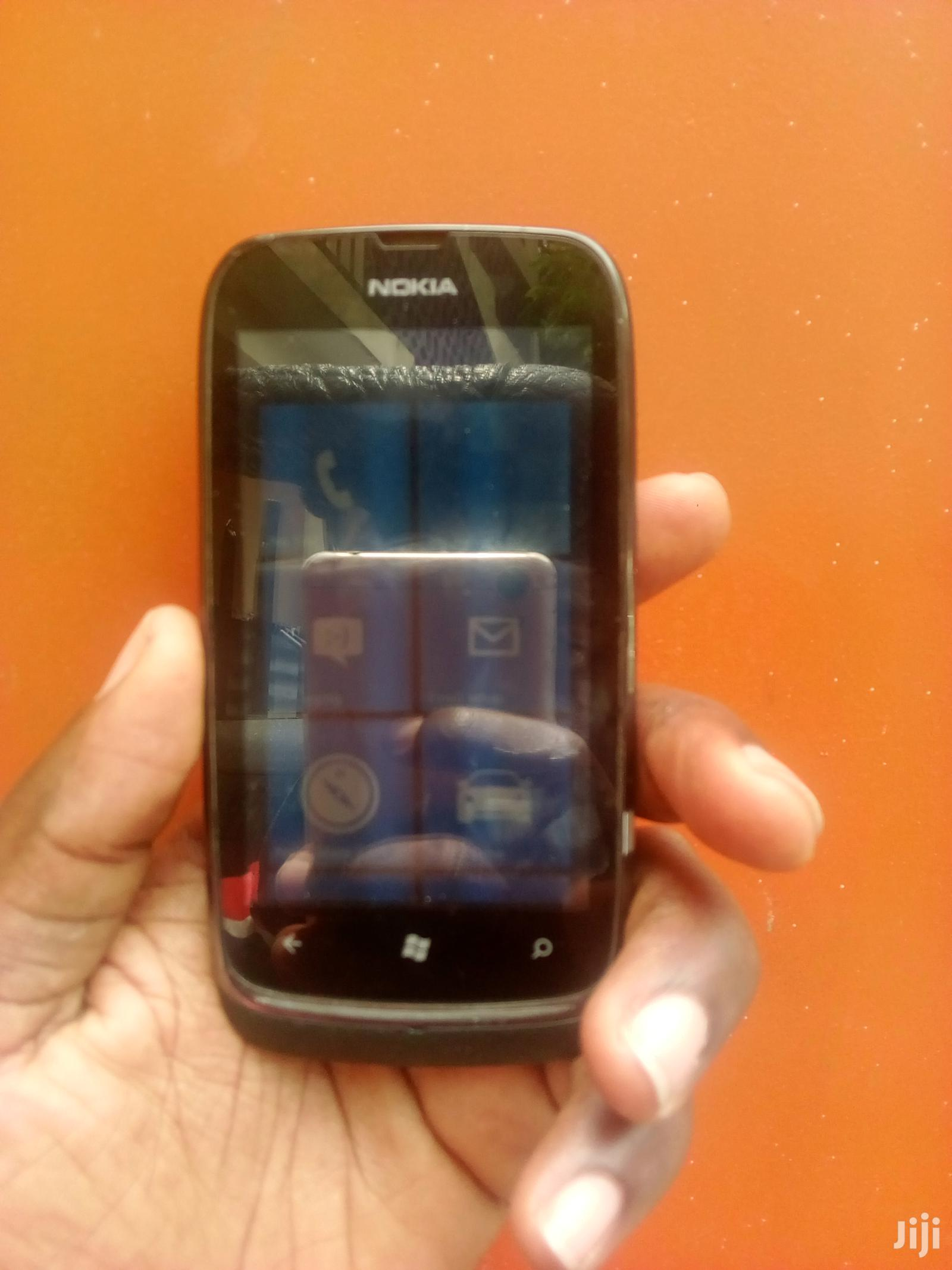Archive: Nokia Lumia 610 8 GB Black