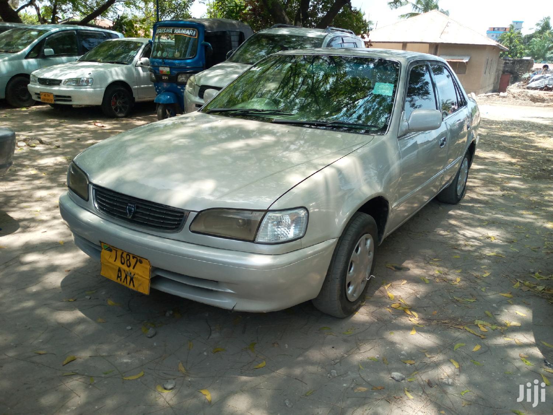 Archive: Toyota Corolla 1999 Silver