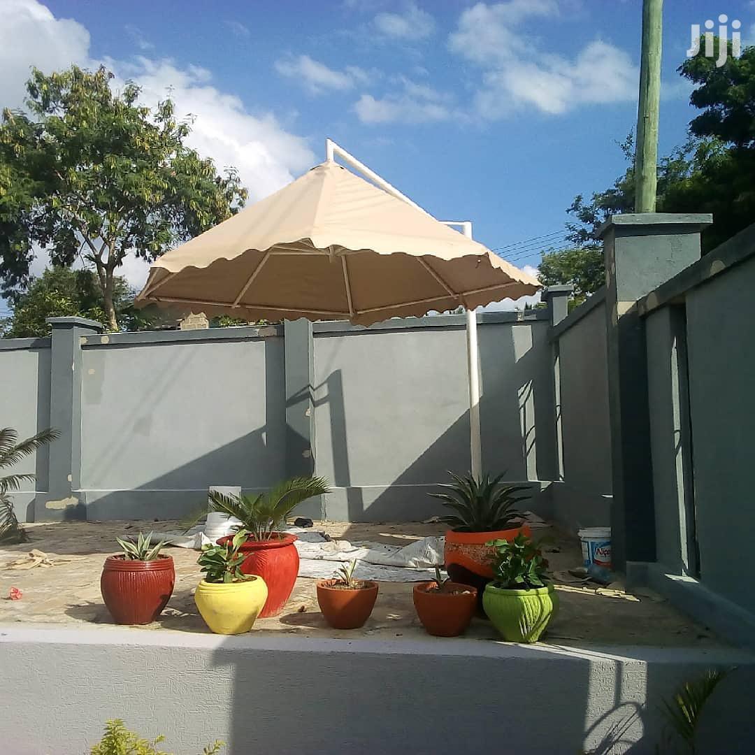 Archive: Garden Umbrella 4metre