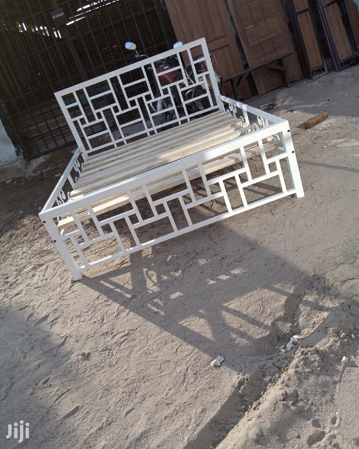 Archive: Metal Beds