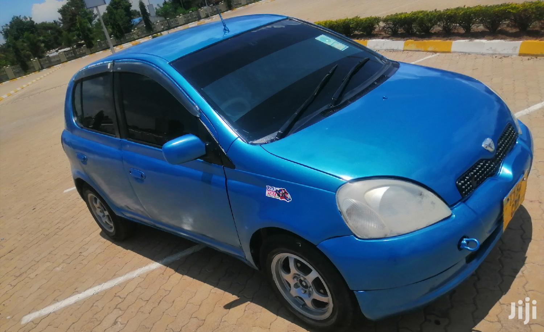 Toyota Vitz 2001 Blue