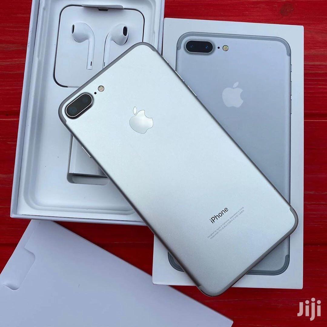 New Apple iPhone 7 Plus 128 GB Silver