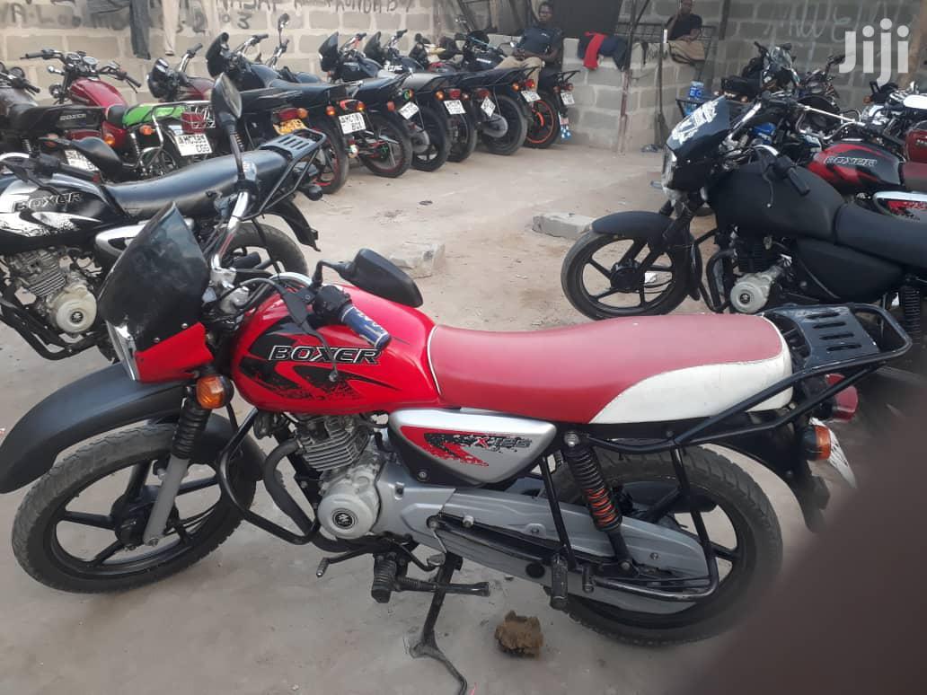 Archive: Bajaj Boxer 2019 Red