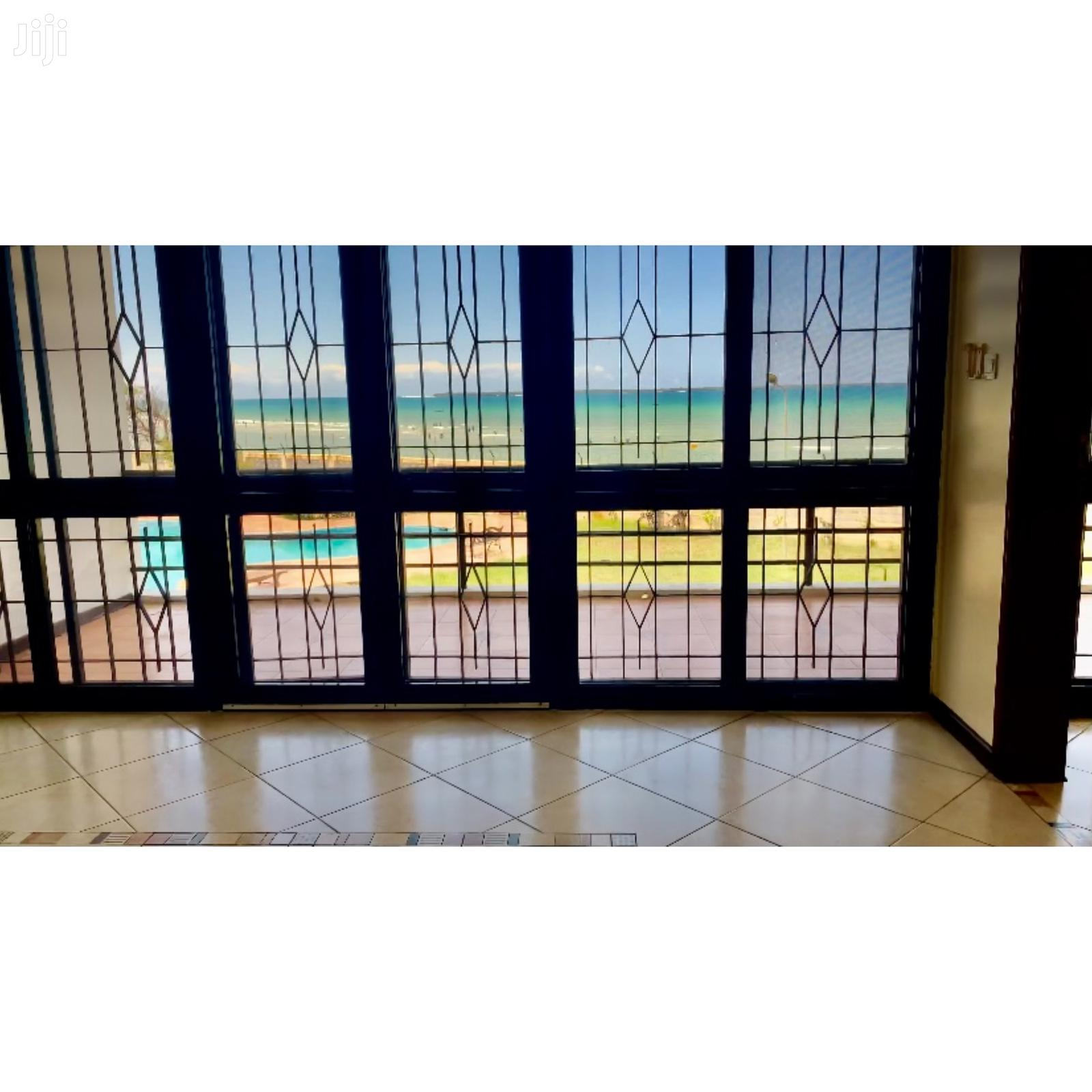 Archive: Seafront Villa'S - Right On The Beach